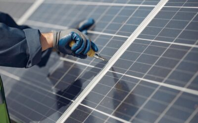 Instal·lació de plaques solars a la comunitat de propietaris.